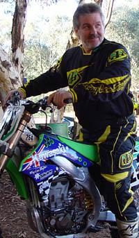 4 stroke racing team dirt bike downunder